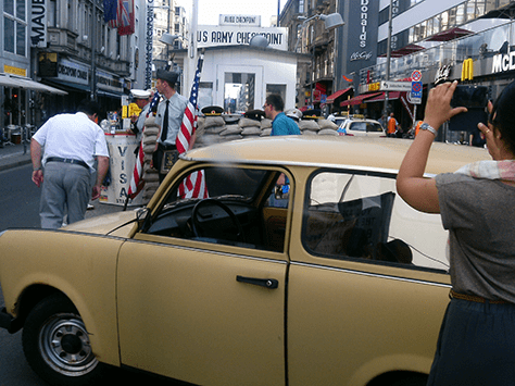 Trabi Safari am Checkpoint Charlie